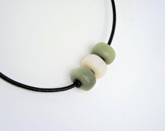 Necklace / Collier soapstone * green & pink * - gift -.