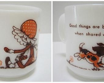 Vintage White Milk Glass Mug Milkglass Friendship Gift Friends Mug Retro Mug Daisy Little Girl Bonnet Dog Small Kids Mug Retro Kitchen Decor