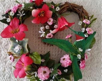 Hummingbird, Very Small Heart Wreath, SALE, Hummingbird Wreath, Grapevine Heart, Heart Wreath,Heart Wreath, Hummingbird Heart Wreath