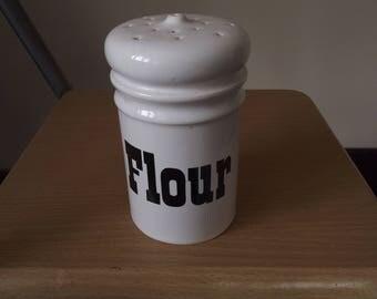 Arthur Wood flour shaker