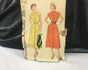 1953 Dress Pattern, Simplicity 3253, One Piece Dress, 2 Styles, Scallops, Vintage Patterns, 1950's Dress, 1950's Style, Size 12 Bust 30