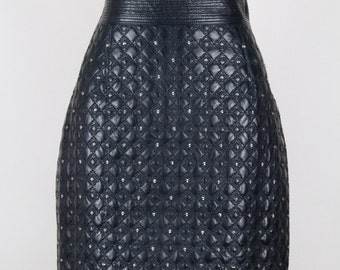ISTANTE by Gianni Versace 1980s Vintage Black Leather Quilted Studded Pencil Skirt Sizes Germany (34)-36 / UK (6)-8 / USA (2)-4