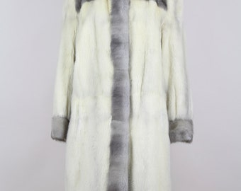 Cross Mink Fur 1970s Vintage Coat Off-White Cream Grey Wedding Theatre Sizes Germany 38-42 / UK 10-14 / USA 6-10