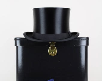 Early 1900s Collapsible Black Silk Top Hat Opera Hat Chapeau Claque Antique Vintage Theatre Collector's Piece Size  L / UK 7 1/8 / USA 7 1/4