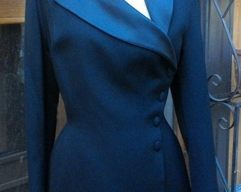 Vintage Thierry Mugler Hourglass Tuxedo Couture Jacket Size 44 US 8