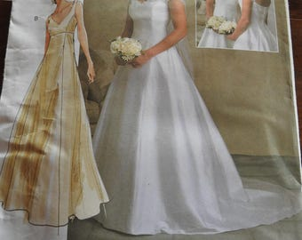 Vogue V2788 Women's Elegant Brides And Bridesmaids Wedding Gowns Sewing Pattern