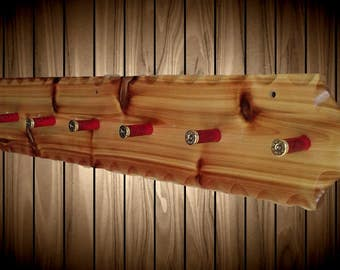 Rustic Wood Western Red Cedar Hat Coat Rack Wall Display 7 Peg Shell Hangers