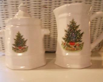 Christmas Heritage sugar and creamer set by Pfaltzgraff - In original box