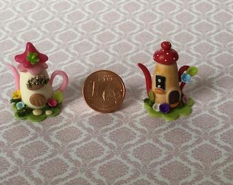 Miniature gobling house teapots