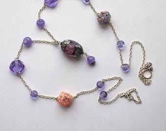 Purple flowers necklace