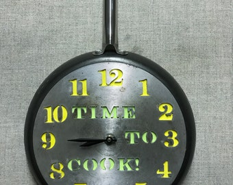 Upcycled Frying pan clock