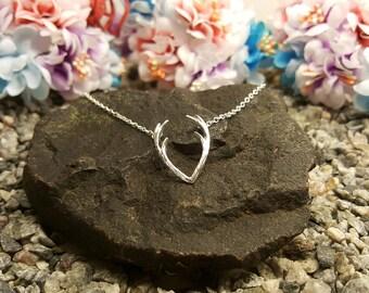 Deer Horn Antler Necklace Jewelry Silver Elegant Horn Necklace Antler Tiny Cute Pendant Christmas Necklace Gift Dainty Silver Necklace Charm