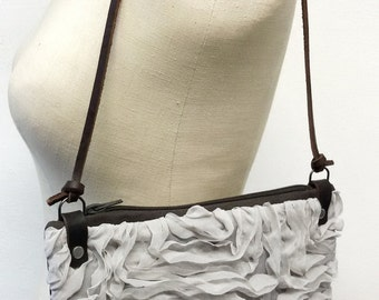 Clutch chiffon taupe with shoulder strap