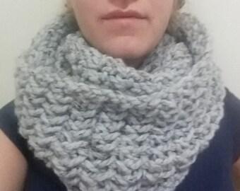 Chunky infinity scarf, crochet infinity scarf, handmade infinity scarf, oversize scarf, circle scarf, knit scarf, wool scarf, grey