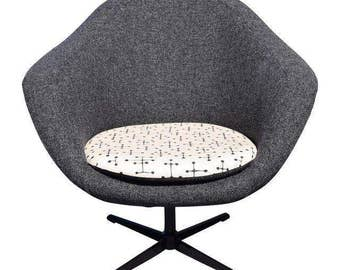 Vintage Mid Century Space Age Swivel Pod Lounge Chair by Overman
