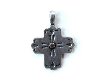 Southwest vintage sterling silver cross pendant / sterling cross pendant necklace southwest native