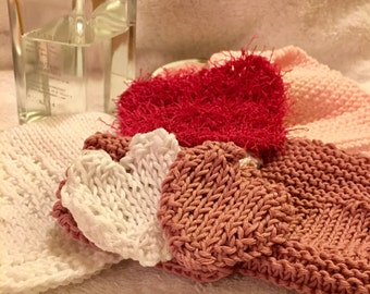 Relax with a beautiful cotton spa experience. Scrubbies, reusable make up remover and gentle cotton face cloths.  Recycled cotton.