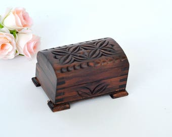 Wedding Ring Box Rustic Ring Box Ring Bearer box Woodland Ring Box Hand carved Wooden Ring Box Keepsake Box Wood Ring Holder