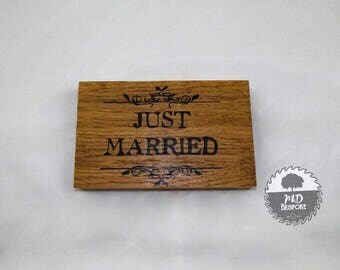 Just Married - Sign - Oak - Freestanding- wedding - top table- Plaque- gift- home - shelf - mantel piece - Hand Written