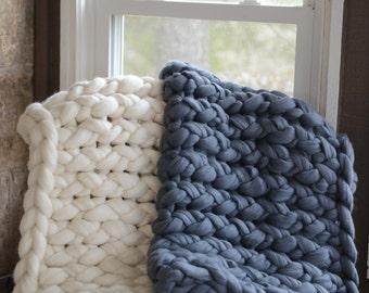 chunky knit blanket, super chunky knit blanket, arm knit blanket, giant knit blanket, chunky knit throw, super soft