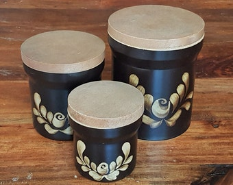 Trio of Denby 'Bakewell' storage jars, small, medium and large. 1980's British stoneware in immaculate condition. Vintage ceramics, England