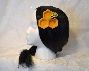 Spring bumblebee hair accessory