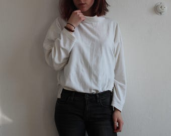 Vintage Super Comfortable Soft White Material Turtle Neck Shirt for Woman