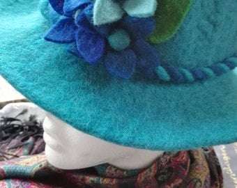 Gorgeous felt hat with flowers - various colors and sizes