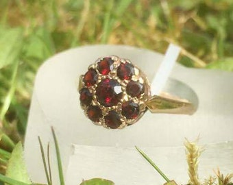 Vintage Garnet Flower Cluster Gold Ring