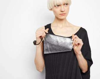 Zip Pouch in Anthracite Metallic