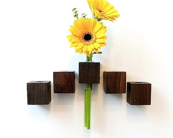 Magnetic vase nut flower vase test tube vase