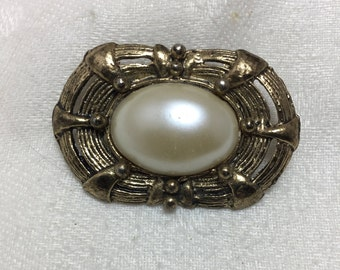 Gold and Pearl 80s Brooch
