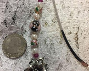 Flower Bookmark, Beaded Bookmark, Hook Bookmark, Black Beaded Bookmark, Gift for Reader