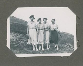 ALBUM | 1930's Stylish Ladies Picnic | Summertime | Mirth | School Outing | Vernacular Snapshot Photographs