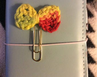 Bow crochet paperclip