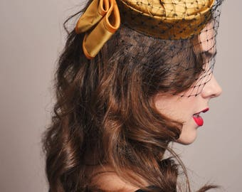 OLD GOLD HAT - Tocado / Headdress