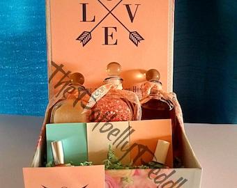 Bridesmaid Proposal Gift Box -