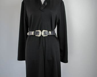 1990s Black Buttoned Shift Dress // Witchy Shift Dress // Vintage Buttoned Dress // Long Sleeved Dress // Black Dress // Witchy Clothing