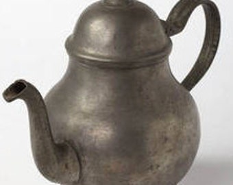 Unique Antique Pewter Teapot (Made between 1800 and 1825)