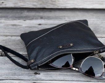 Small Leather Zippered Purse / Leather Pouch  / Phone Case / Camera Wristlet / Black Leather Purse /  Summer SALE