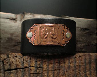 "B1538  ""Healing Hands"" Badge Leather Cuff"