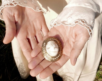 Antique Cameo Brooch Costume Jewelry