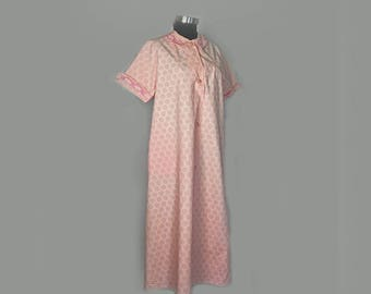 Vintage Womens Robe, Housecoat, 1950's, Summer, Short Sleeves, Cotton, Pink Print, Medium