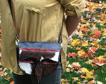 Carriel Columbian vintage cross body purse Handcrafted Antioqueño Unisex Satchel hand bag horse cow hide red brown white green 11 pockets
