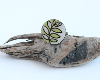 Green & White Leaf Circle Ring, Modern Geometric Statement Ring, Everyday Simple Wood Ring, Casual Adjustable Ring, Wood Burned, Epoxy Resin