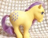 Vintage My Little Pony Lemon Drop MLP Very Rare G1 1982 Yellow Body Purple Hair Droplet Symbols - Hong Kong Collectors Pose