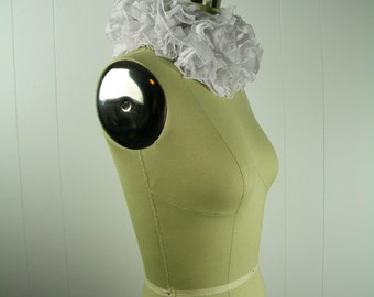 White Tattered Boa Collar, White Ruff, Clown Costume, Ruff Collar, Tattered Collar, Neckpiece, Ruffle Choker