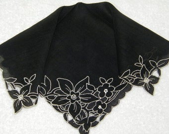 Vintage 1940's Embroidered Black and White Mourning Handkerchief, Hankie, Hanky, 9816
