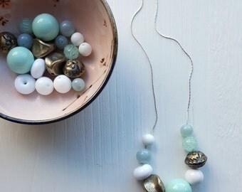 meringue necklace - vintage lucite - mint green - gold - pastel necklace