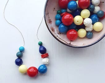 tents of trouville necklace - vintage lucite - summer jewelry - beach colors - red teal lemon